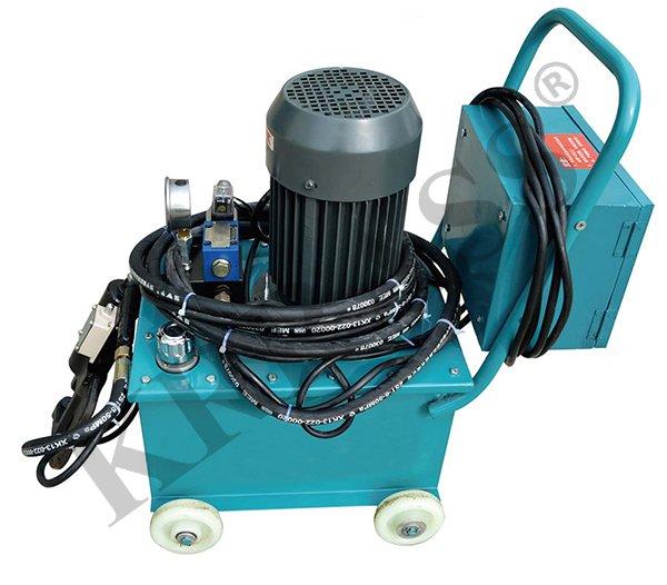 hydraulic riveting machines